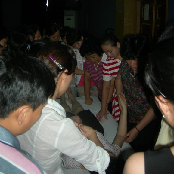 小儿推拿职业培训名家精品班(第2期)照片集锦 - 小儿按摩网(小儿推拿网) - 小儿推拿按摩:爱意在指间流淌