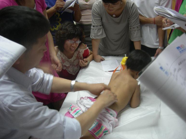 小儿推拿职业培训名家精品班(第2期)精彩一刻 - 小儿按摩网(小儿推拿网) - 小儿推拿按摩:爱意在指间流淌